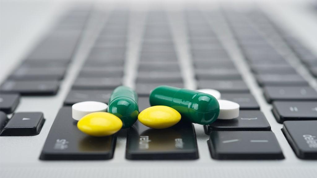 Las farmacias y la venta de medicamentos por Internet